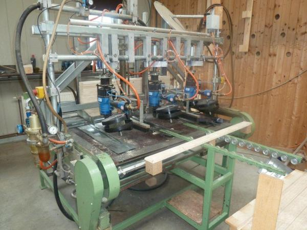 Skid nailing machine / nailer