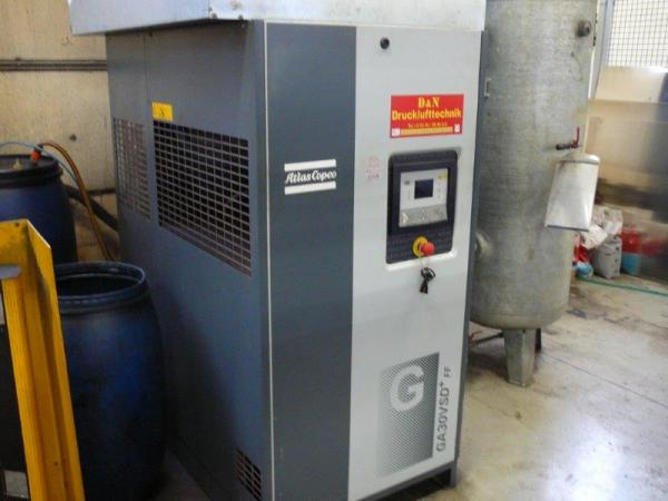 Screw compressor (30 kW / 12,75 bar)