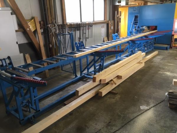 Infeed (13 m) for joinery machine