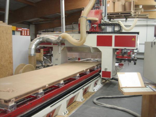 CNC machining center (6.000 x 1.650mm)